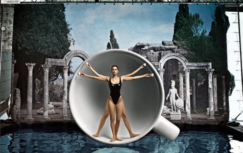 Image by Annie Leibovitz for Lavazza 2009 Calendar